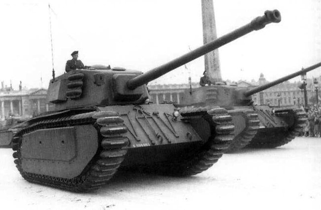 arl44-tank-france-cold-war-basitlle-day-parade-1951-min