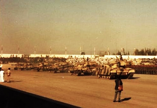 Chieftain_Main_Battle_Tanks_Oman_1981
