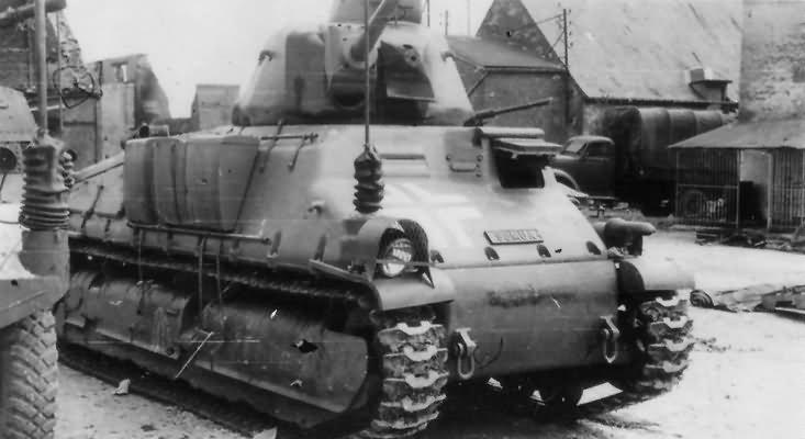 Somua_S35_german_tank-min