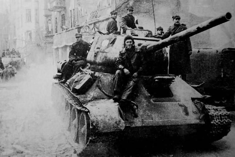 Polish_T-34-85_tank