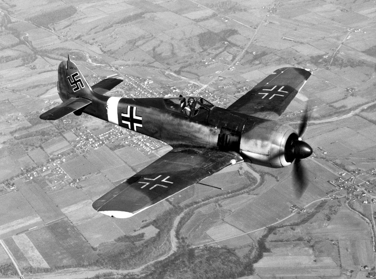 1200px-Focke-Wulf_Fw_190_050602-F-1234P-005