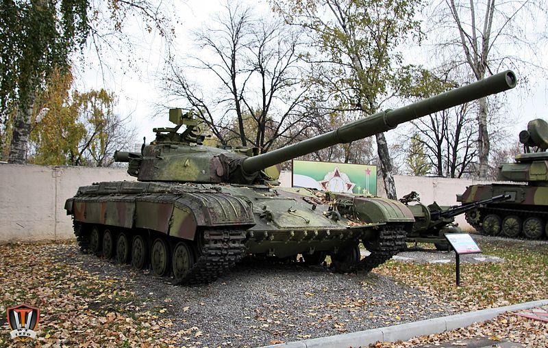 T-64A_Moscow_Suvorov_Military_School.jpg