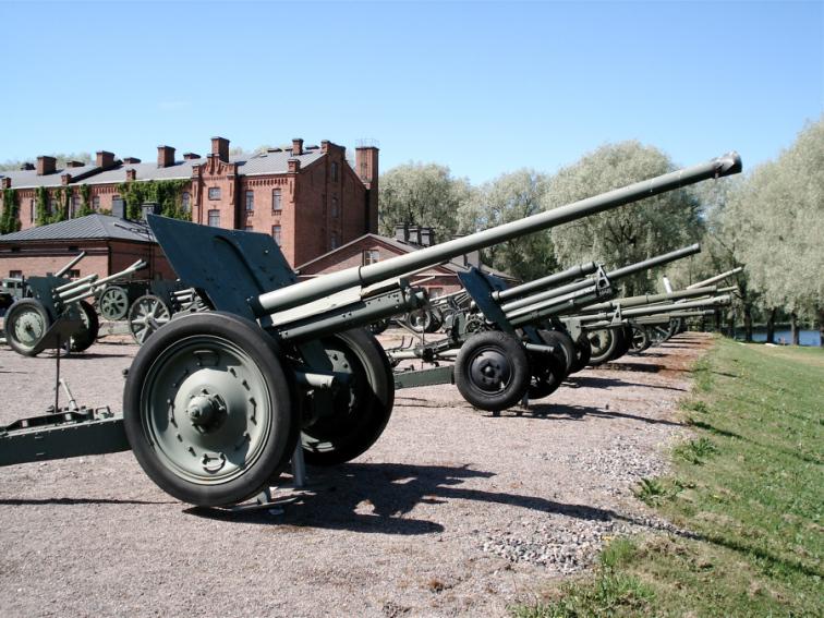 76mm_m1936_f22_gun_hameenlinna_1