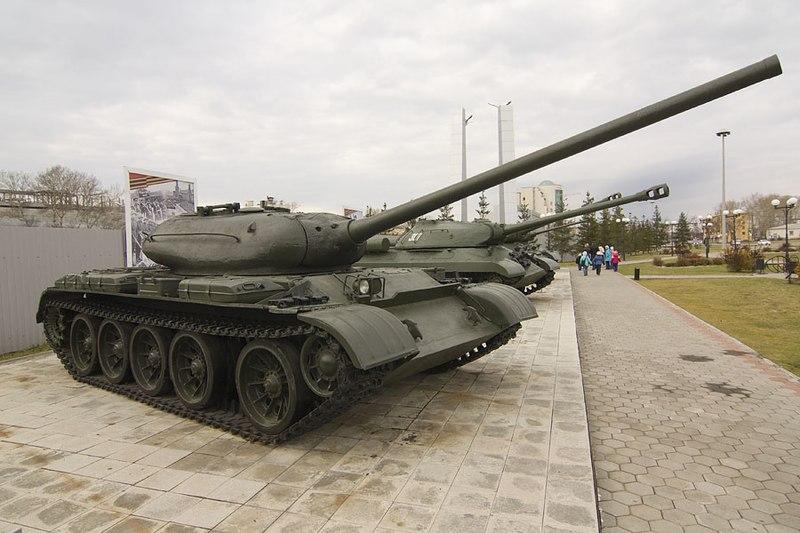 800px-Tank_T-54_in_Verkhnyaya_Pyshma