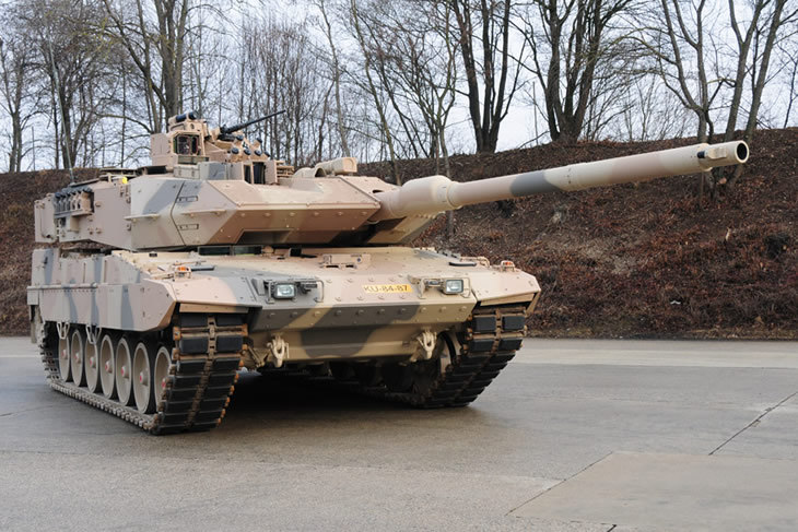 Germany_receives_first_Leopard_2A7_MBT