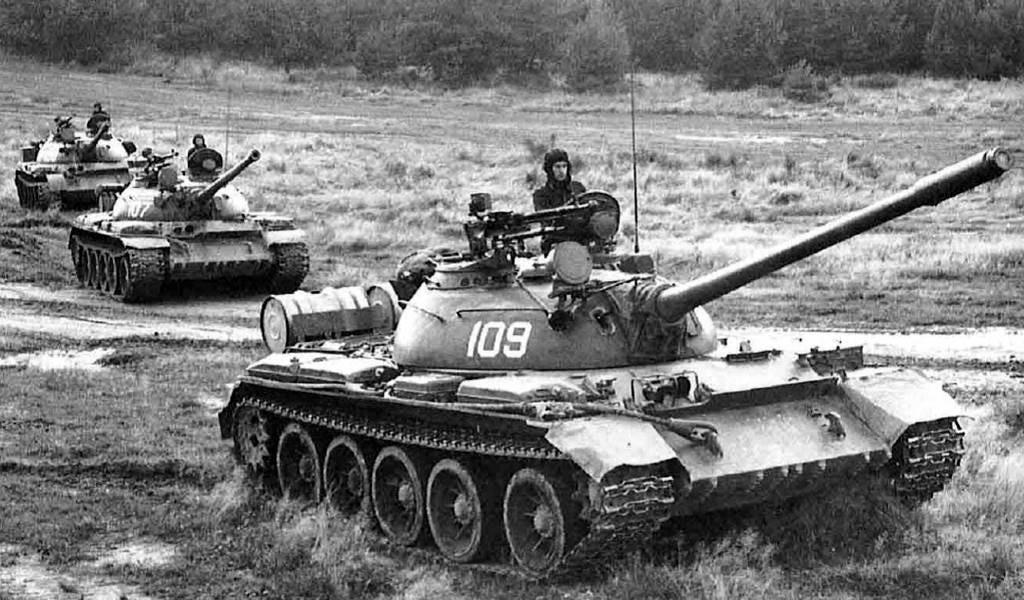 Takom 2055 T-54B Russian Medium Tank (51)a