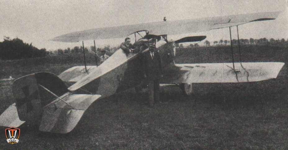 Az_1._vh.._magyar_repülőgép-min