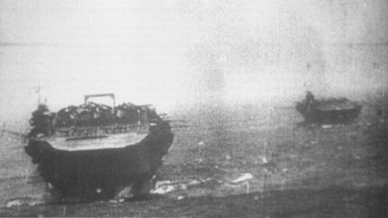 Kaga_and_Zuikaku_Pearl_Harbor